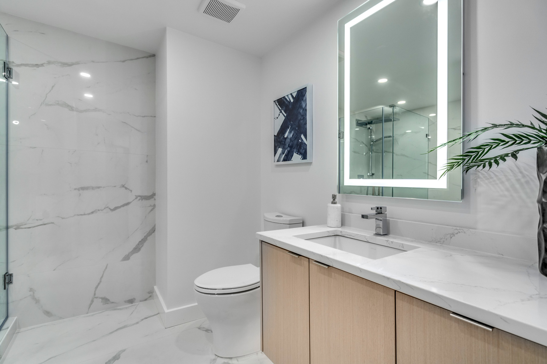 13 at 702 - 455 Beach, Yaletown, Vancouver West