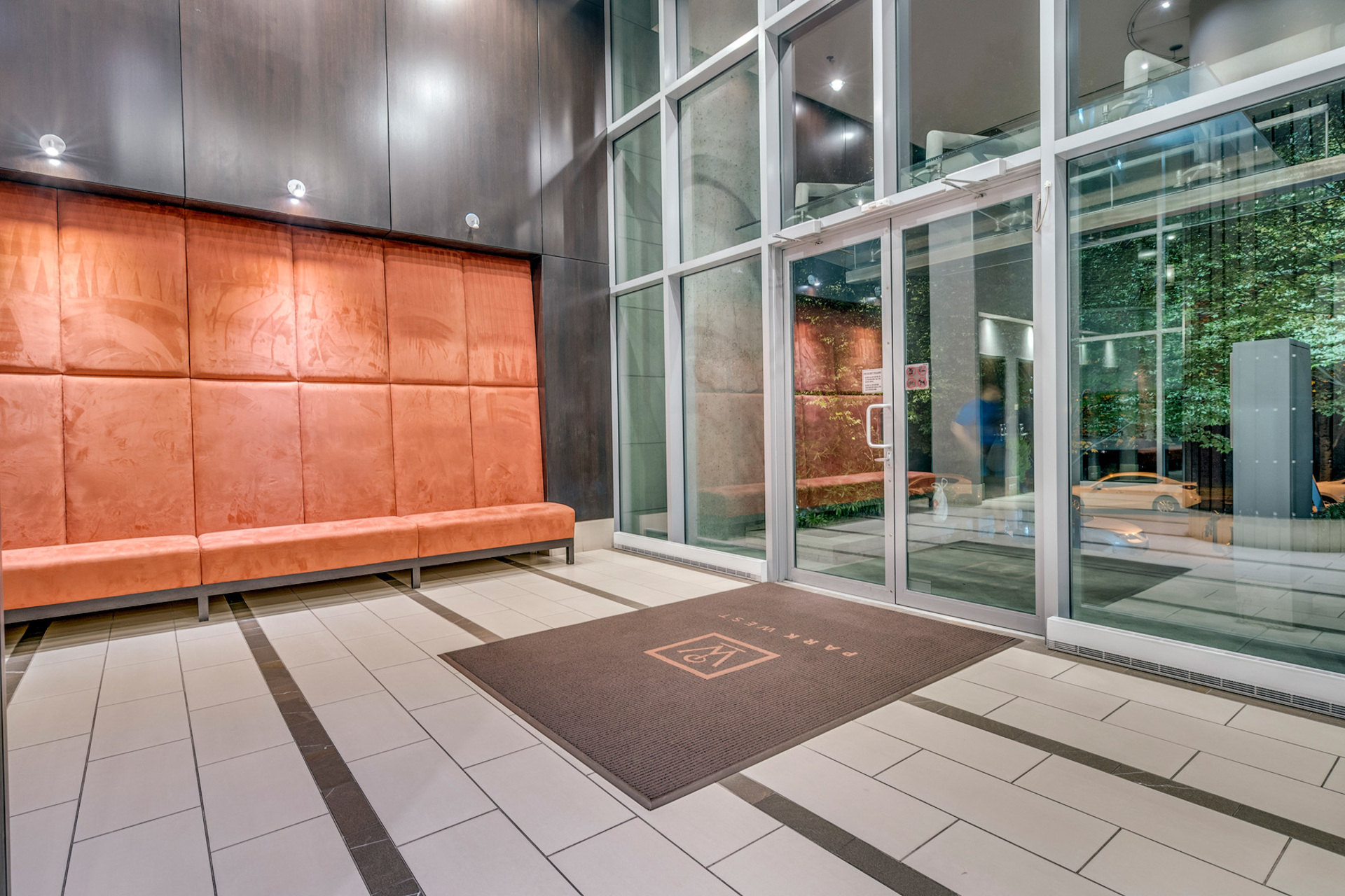 16 at 702 - 455 Beach, Yaletown, Vancouver West
