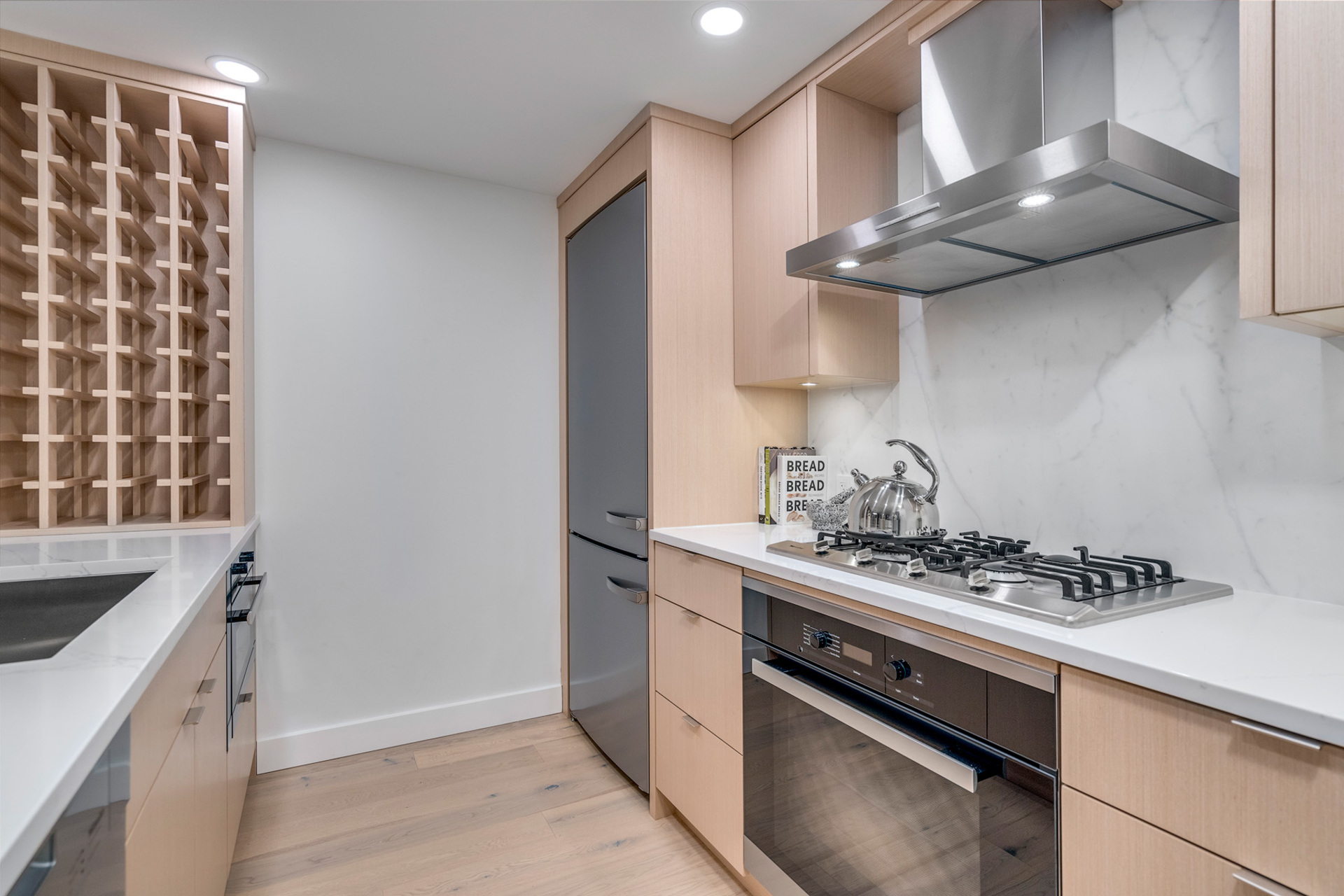 6 at 702 - 455 Beach, Yaletown, Vancouver West