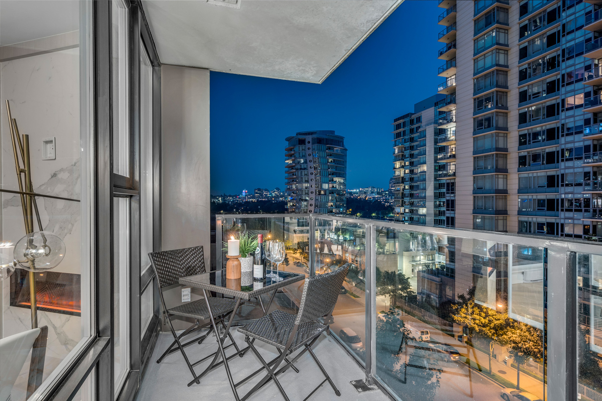 7 at 702 - 455 Beach, Yaletown, Vancouver West