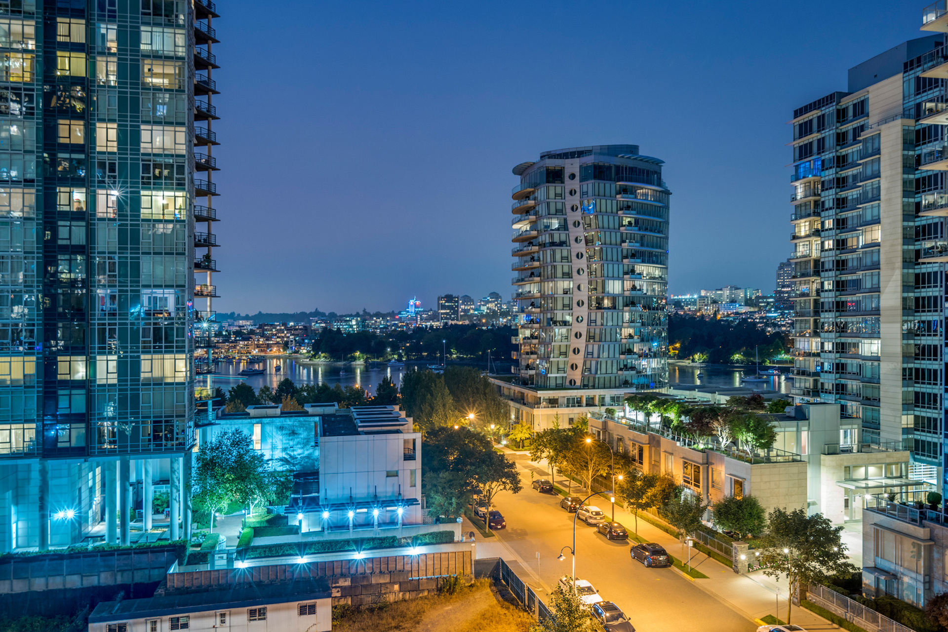 view-2 at 702 - 455 Beach, Yaletown, Vancouver West
