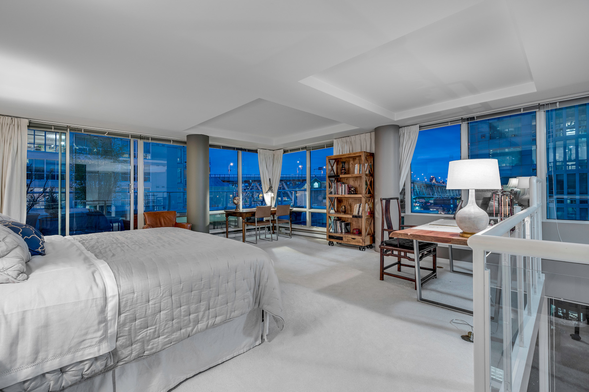 11 at 811 - 888 Beach, Yaletown, Vancouver West
