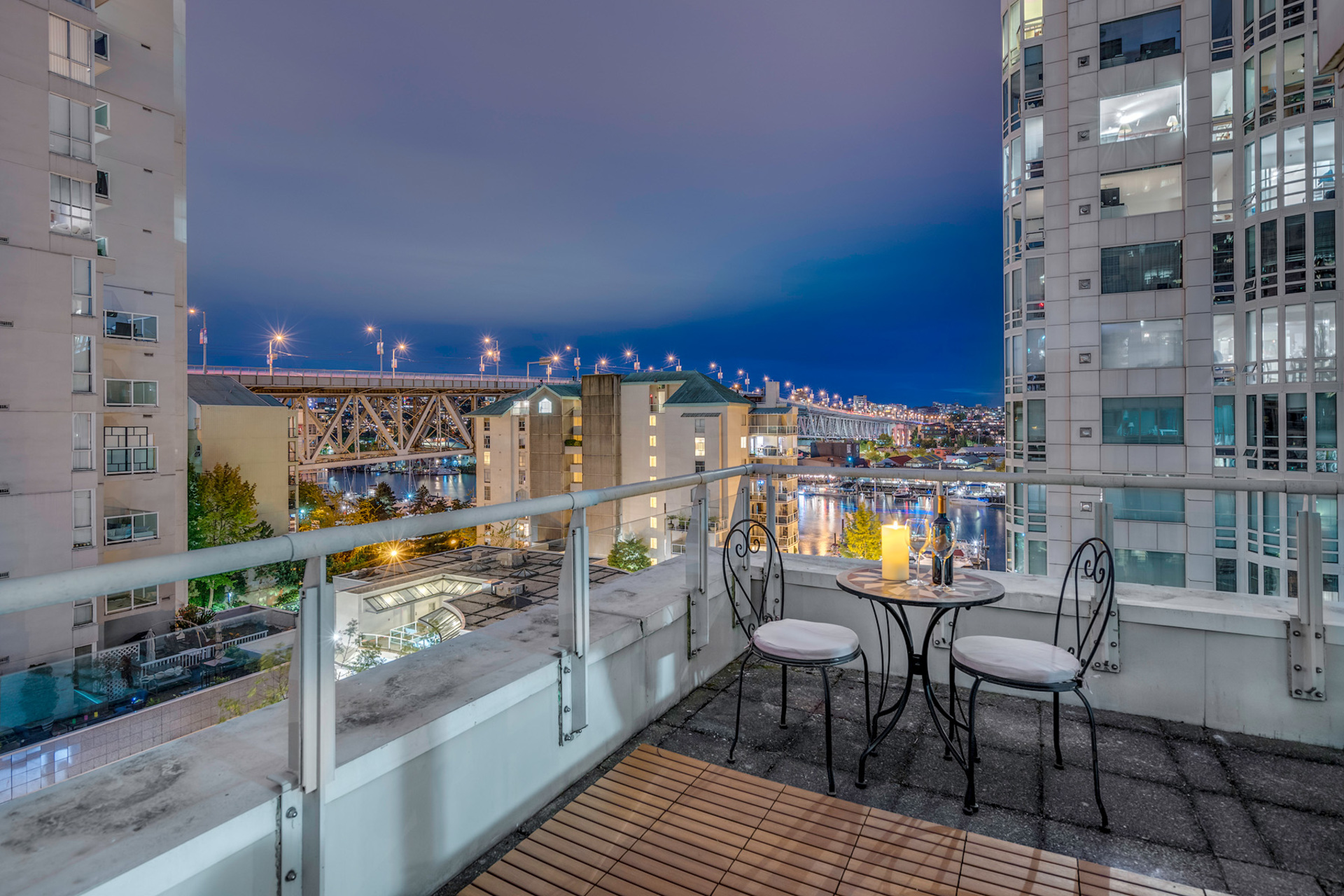 14 at 811 - 888 Beach, Yaletown, Vancouver West