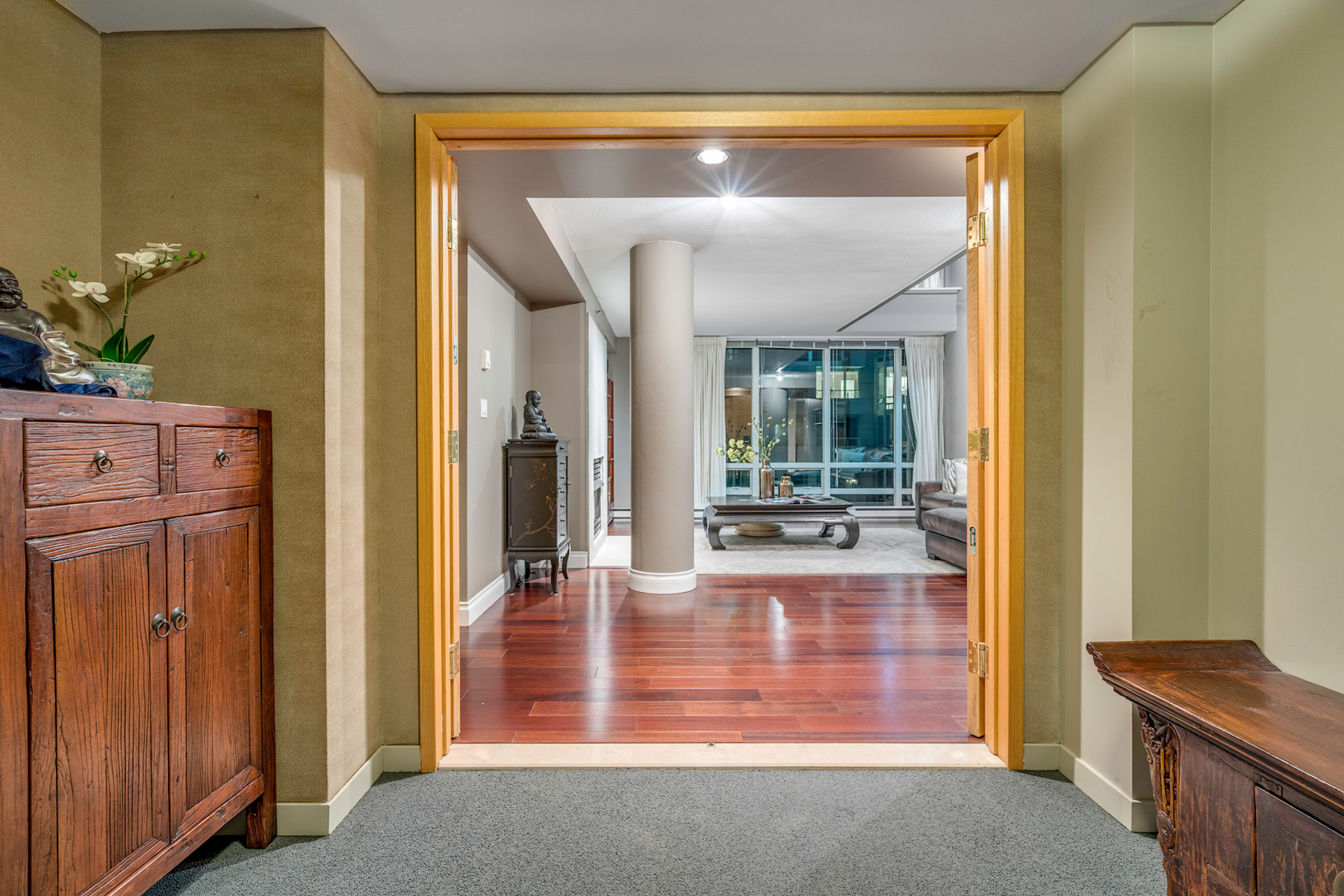 3 at 811 - 888 Beach, Yaletown, Vancouver West