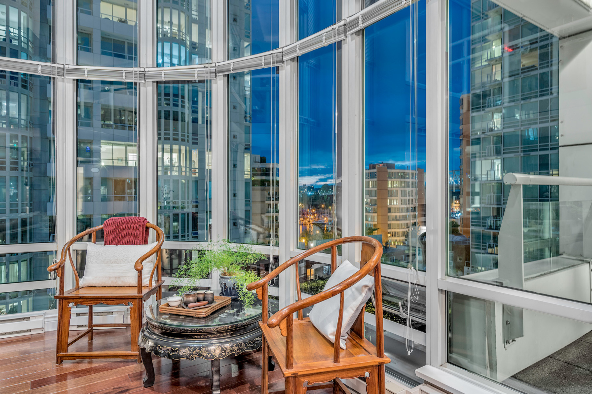4 at 811 - 888 Beach, Yaletown, Vancouver West
