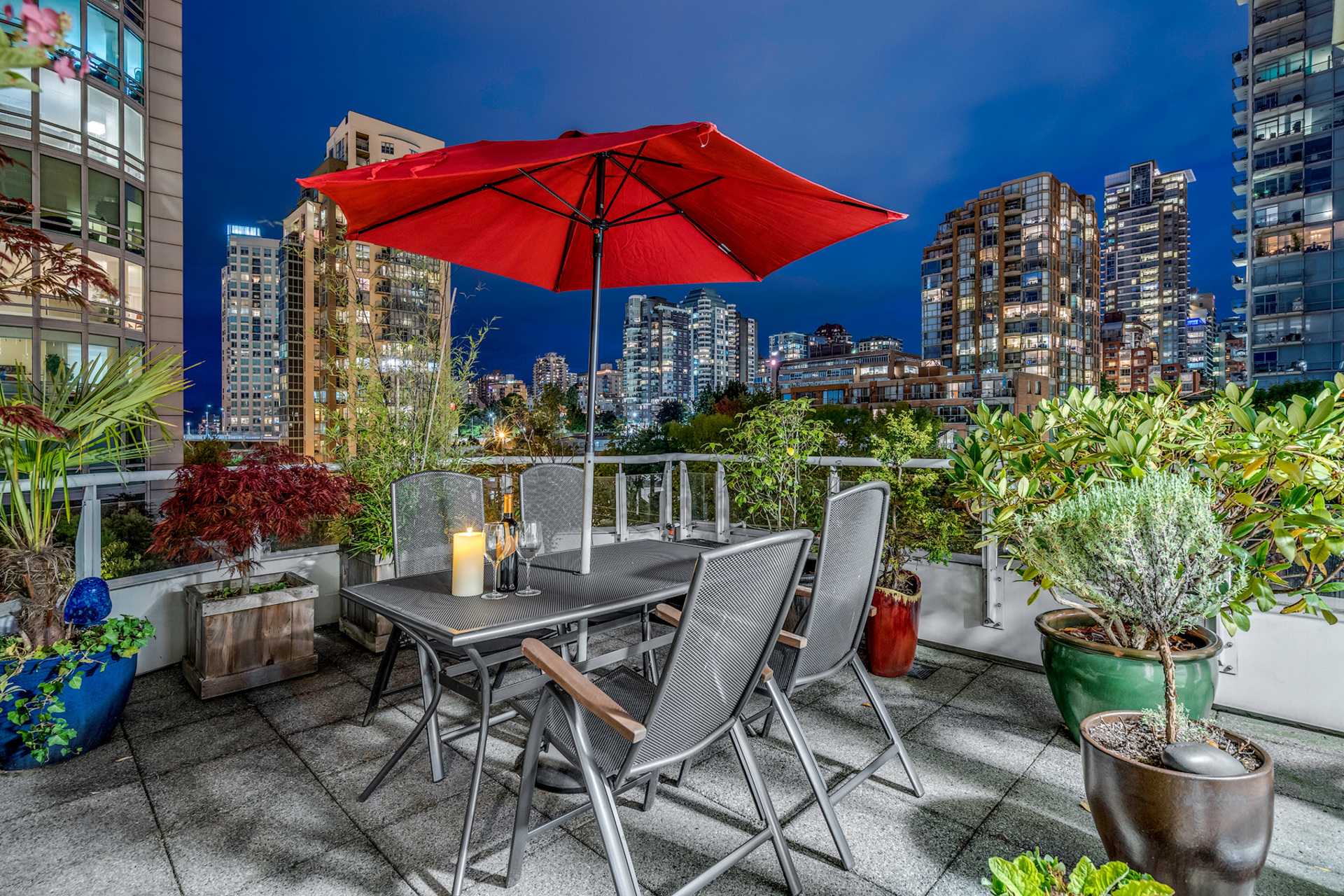 8 at 811 - 888 Beach, Yaletown, Vancouver West