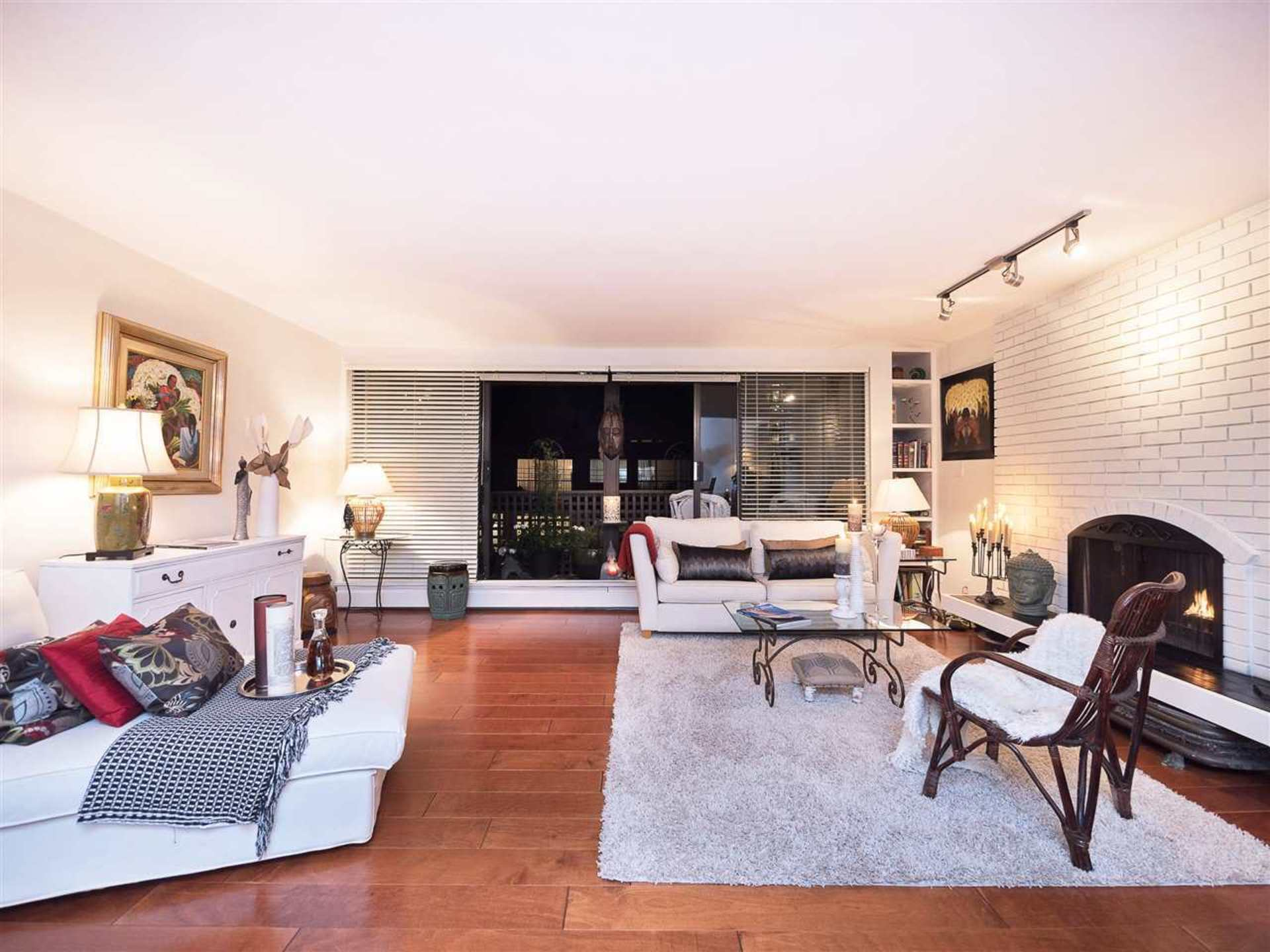 208 - 141 W 13th Street, Central Lonsdale, North Vancouver