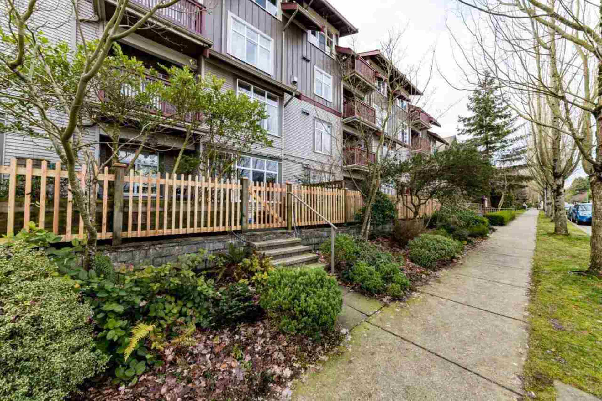 202 - 4272 Albert Street, Vancouver Heights, Burnaby North