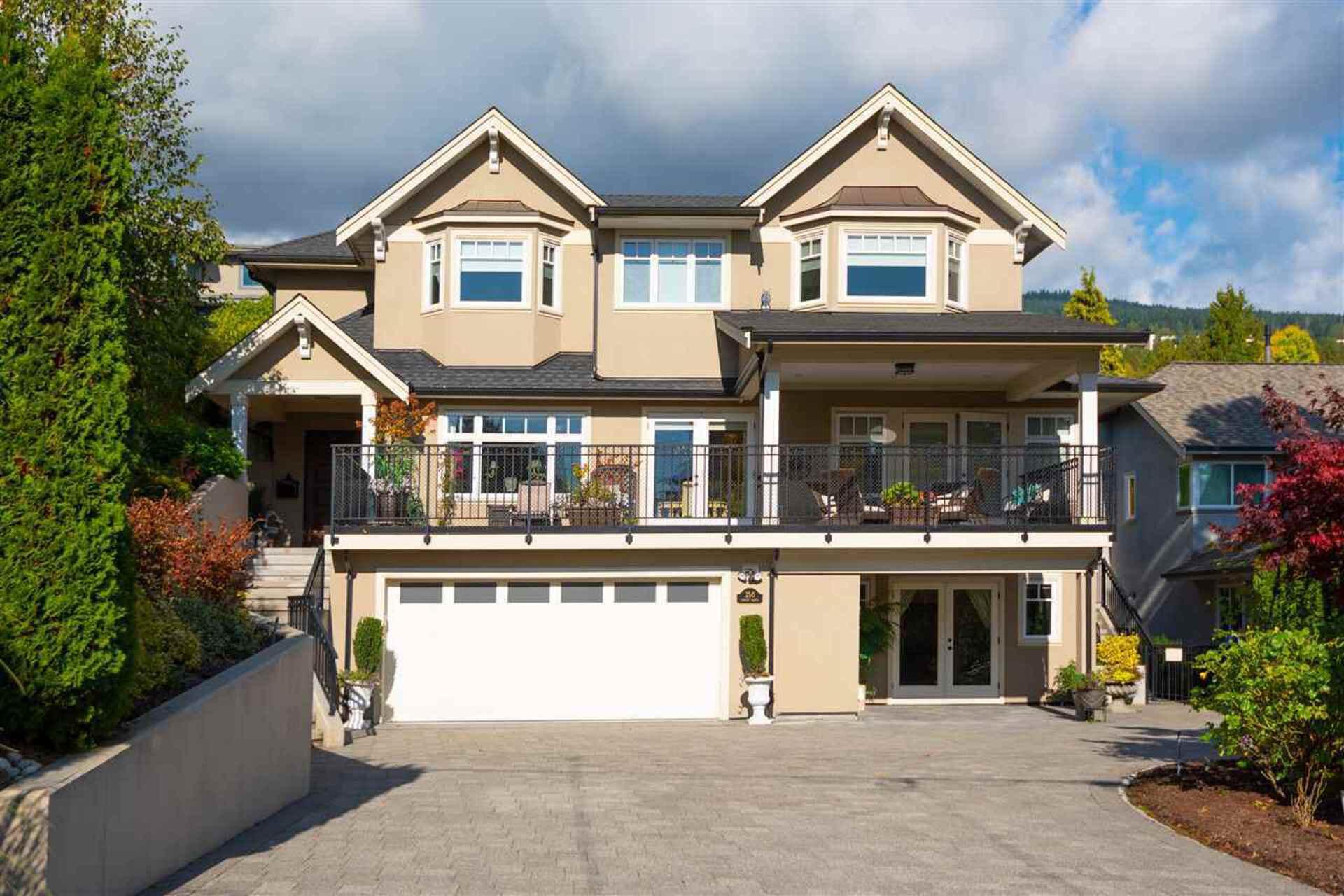 2541 Lawson Avenue, Dundarave, West Vancouver