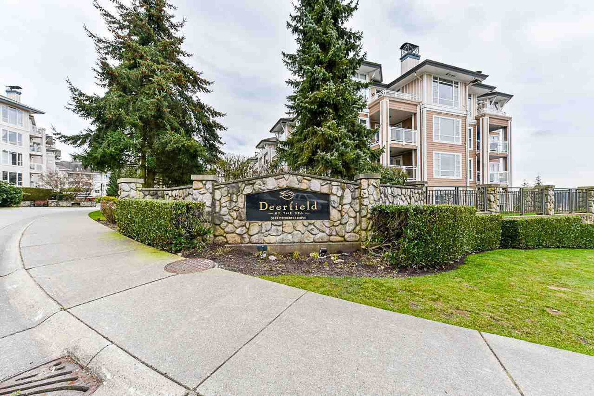 108 - 3629 Deercrest Drive, Roche Point, North Vancouver