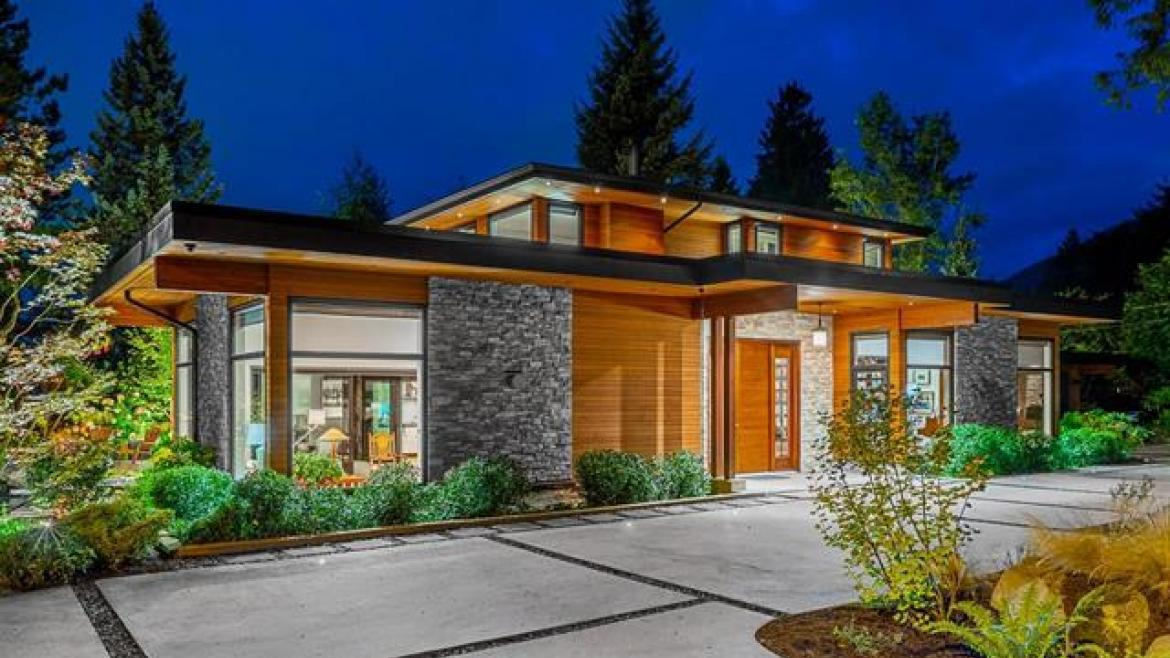 590 East Kings Road, Upper Lonsdale, North Vancouver