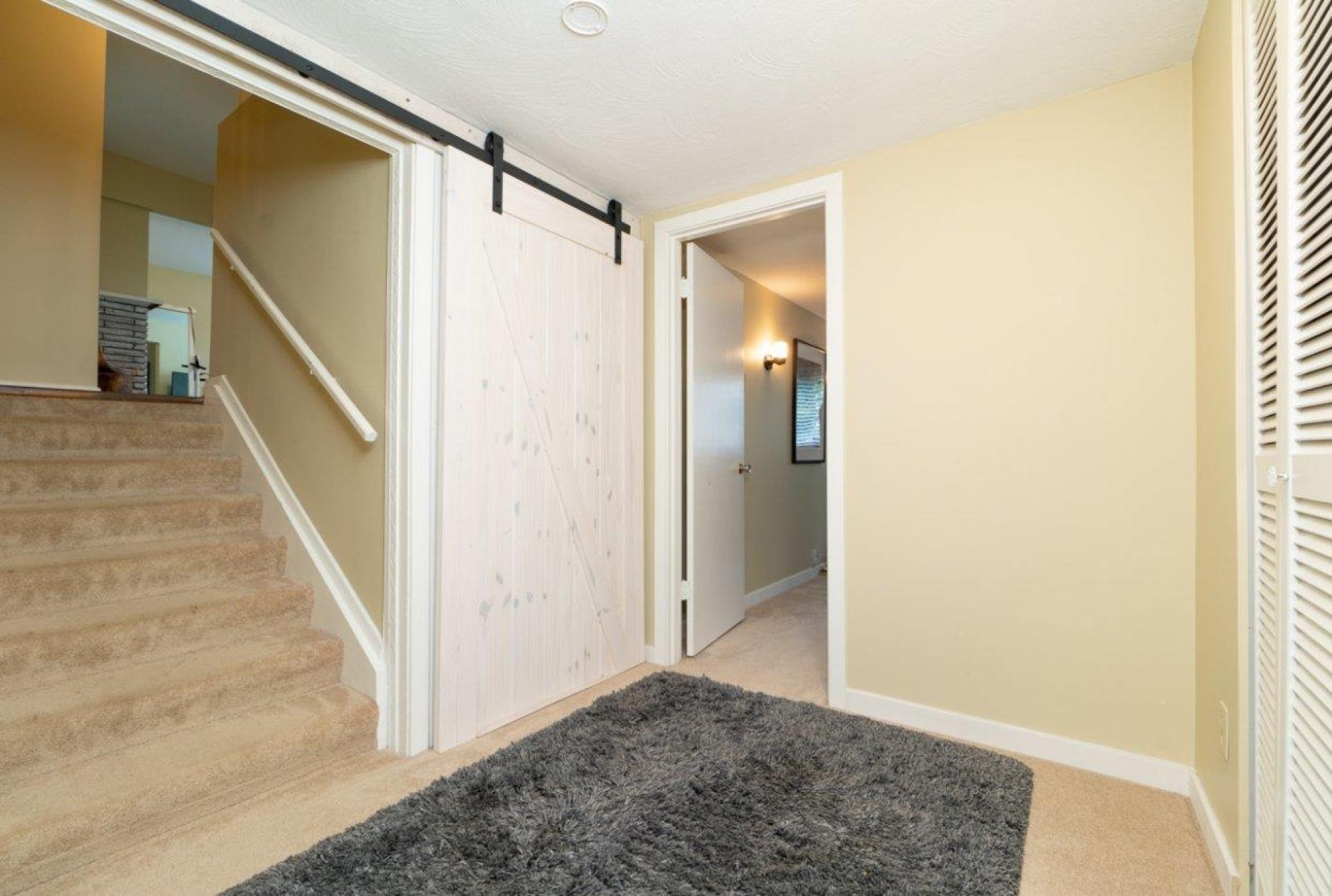 902 Wentworth, Forest Hills NV, North Vancouver 3