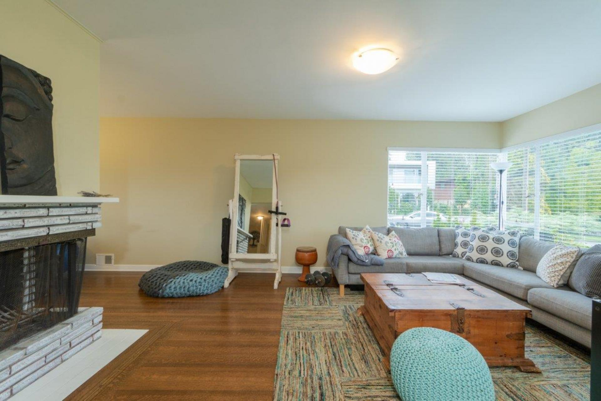 902 Wentworth, Forest Hills NV, North Vancouver 2