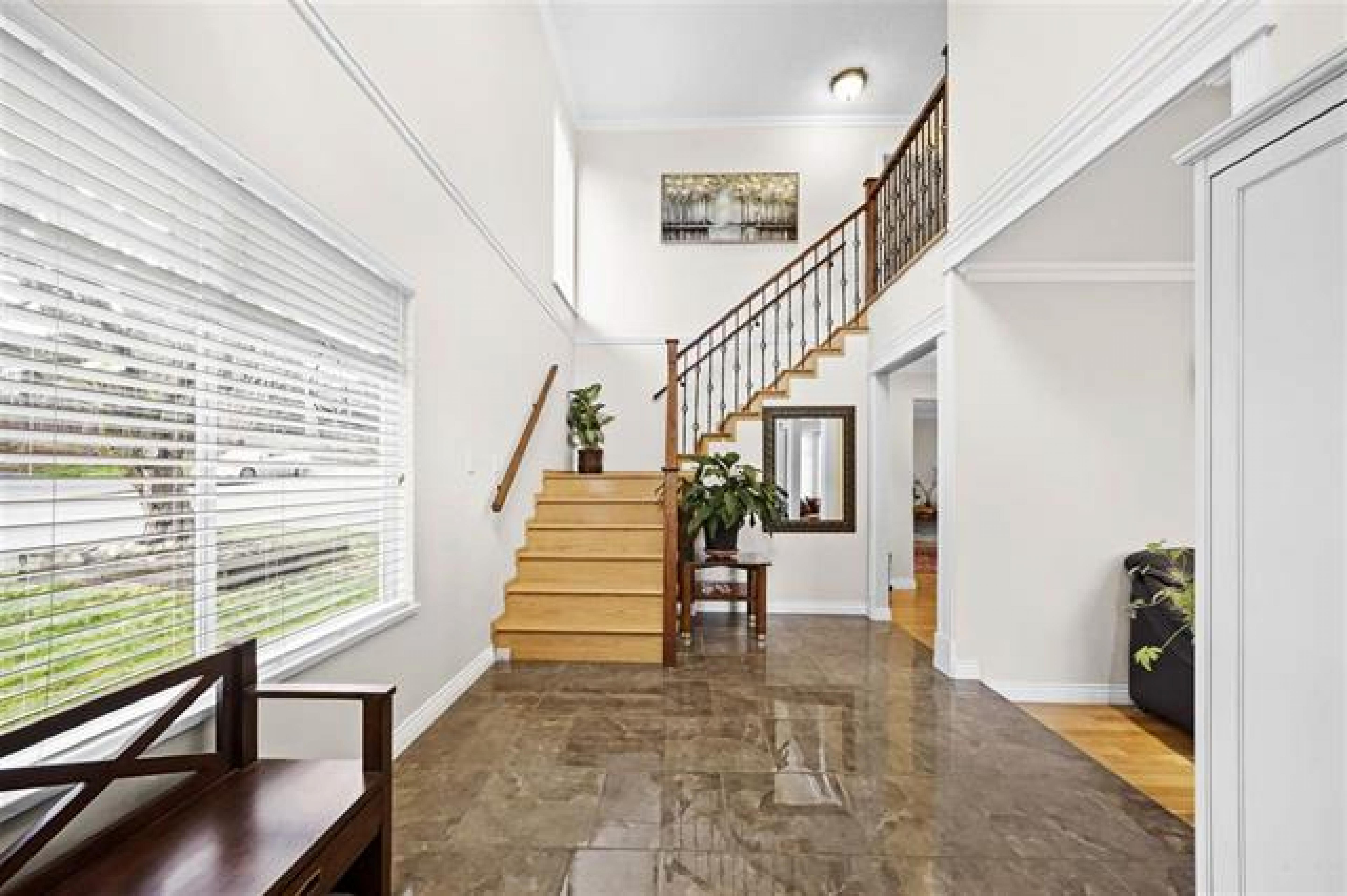 1872 Westview Drive, Central Lonsdale, North Vancouver 3