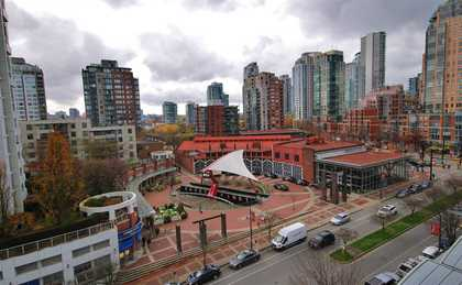 view at 906 - 1199 Marinaside Crescent, Yaletown, Vancouver West