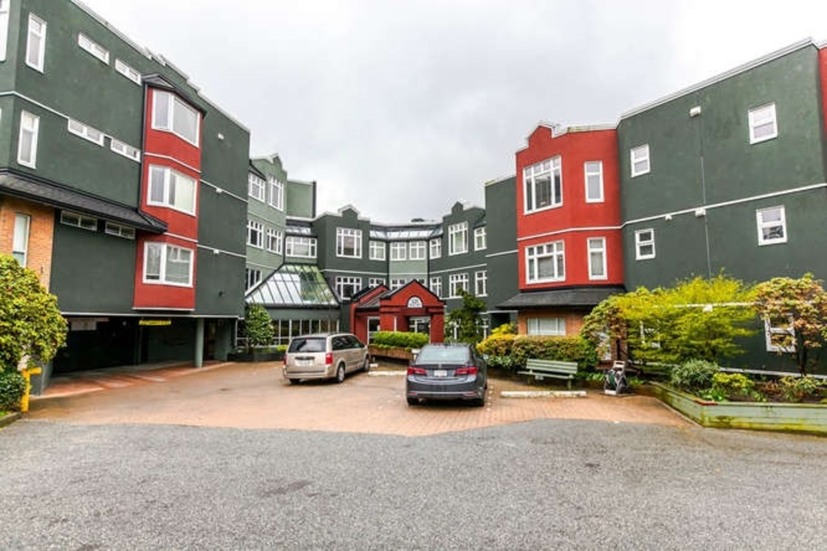 104 - 121 W 29th Street, Upper Lonsdale, North Vancouver