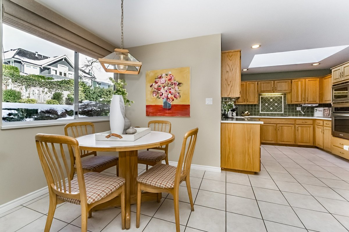 Eating Room at 2383 Jefferson Avenue, Dundarave, West Vancouver
