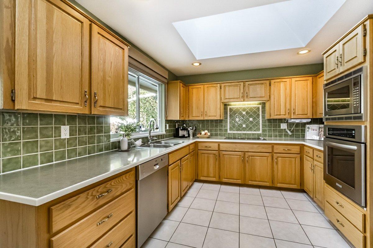 Kitchen at 2383 Jefferson Avenue, Dundarave, West Vancouver