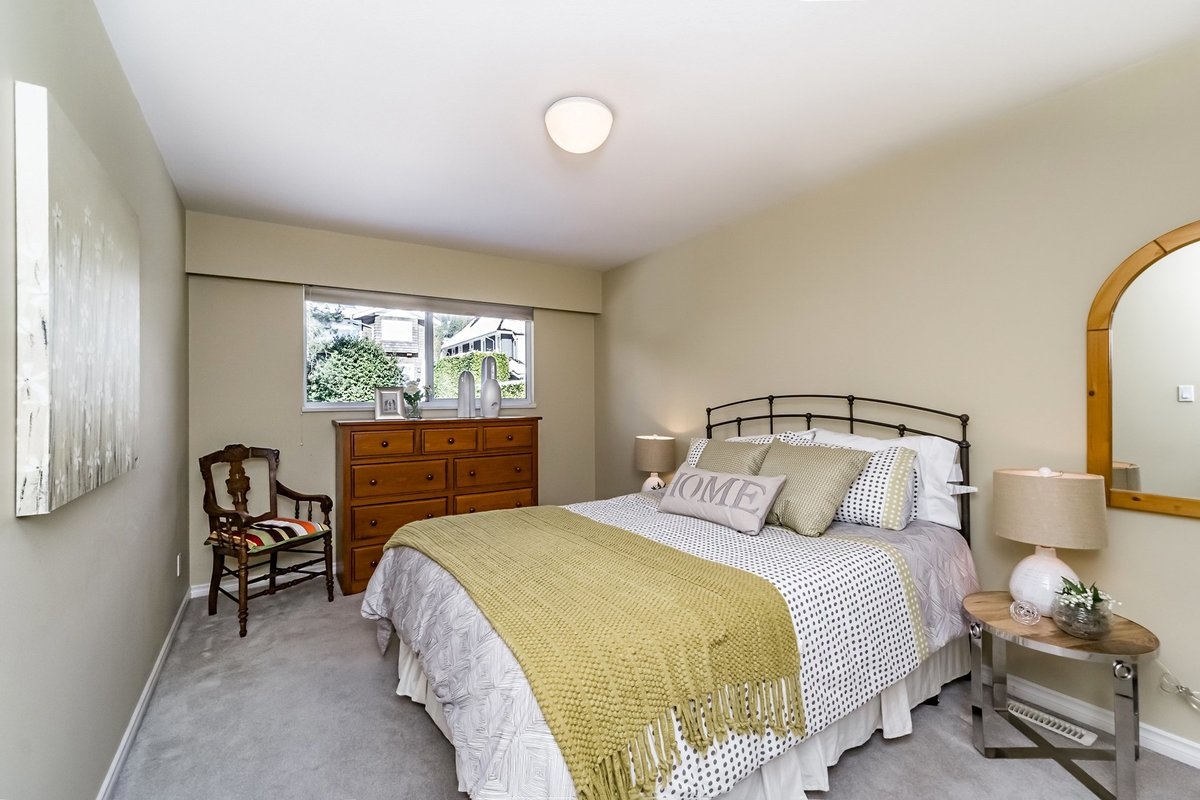 2nd Bedroom at 2383 Jefferson Avenue, Dundarave, West Vancouver