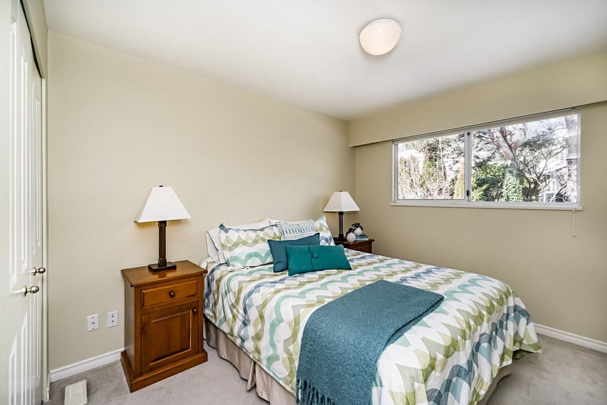 3rd Bedroom at 2383 Jefferson Avenue, Dundarave, West Vancouver