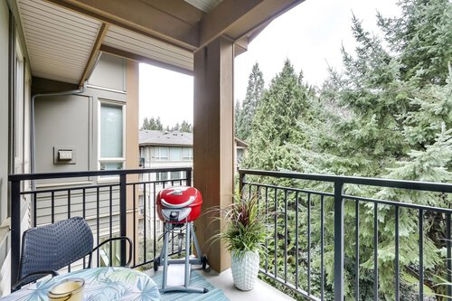balcony at 1111 E 27th, North Vancouver