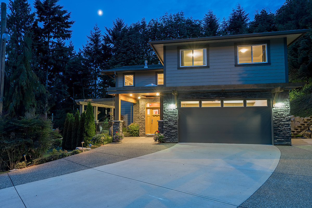 Entrance and Garage at 4102 Burkehill Road, West Vancouver
