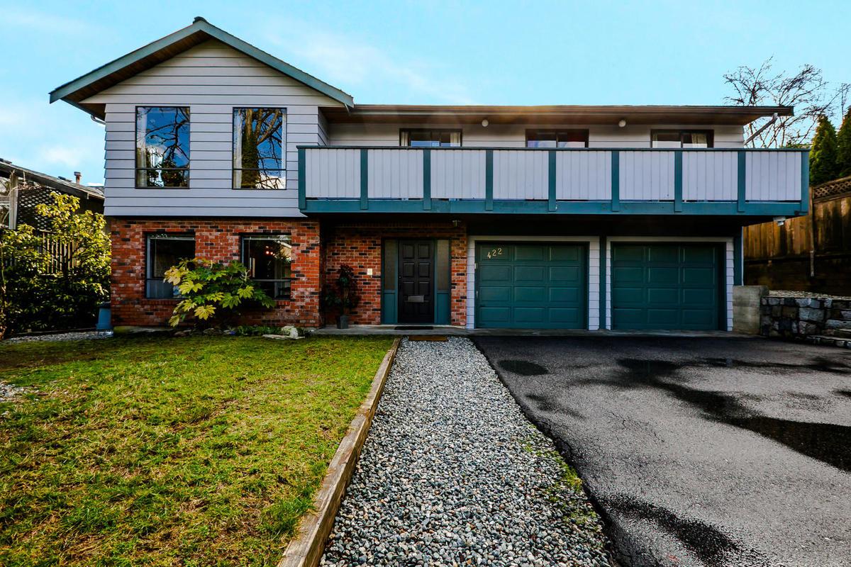 422-Felton-Pl-North-Vancouver-large-003-9-Exterior-1500x1000-72dpi at 422 Felton, North Vancouver