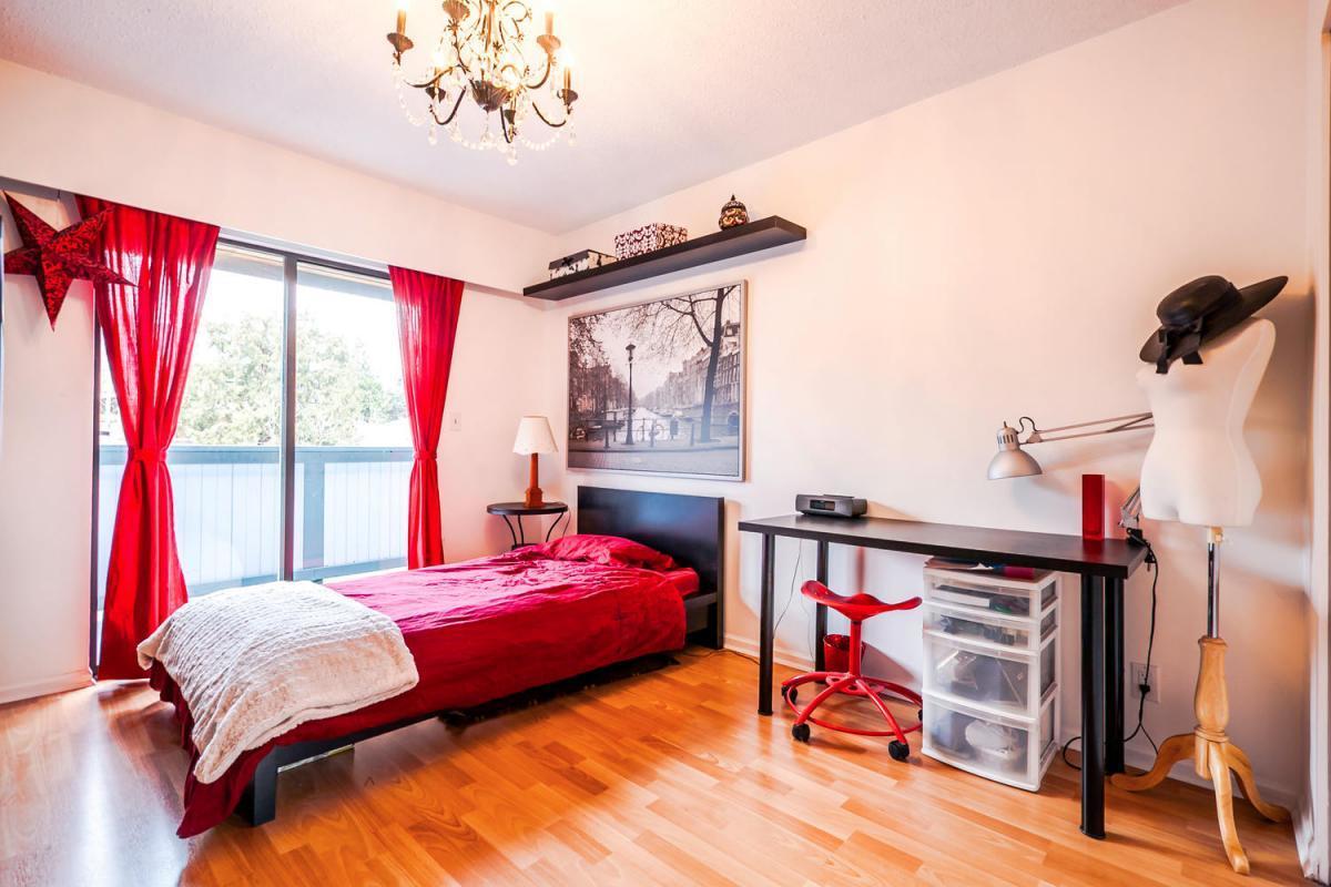 422-Felton-Pl-North-Vancouver-large-020-7-Bedroom-1500x1000-72dpi at 422 Felton, North Vancouver