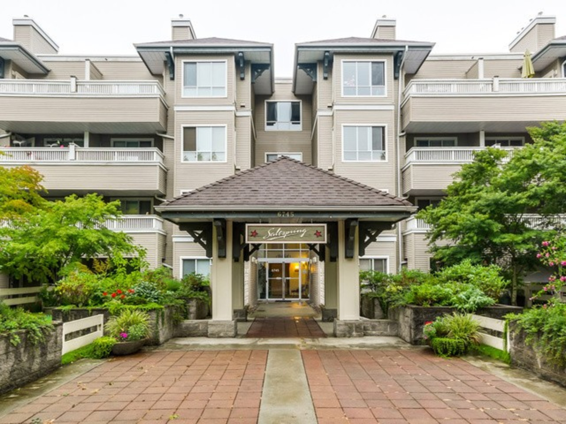 411 - 6745 Station Ct, South Slope, Burnaby South
