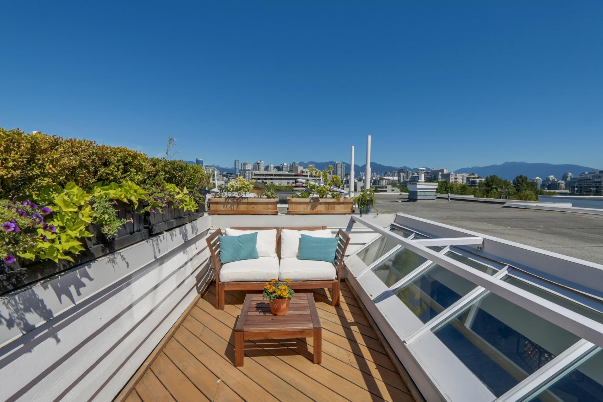 Private Rooftop Terrace at 205 - 669 West 7th Avenue, Fairview VW, Vancouver West