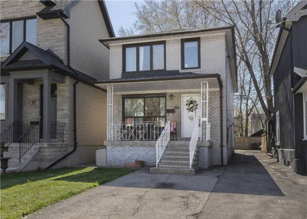 E3490755 at Address Upon Request, Greenwood-Coxwell, Toronto