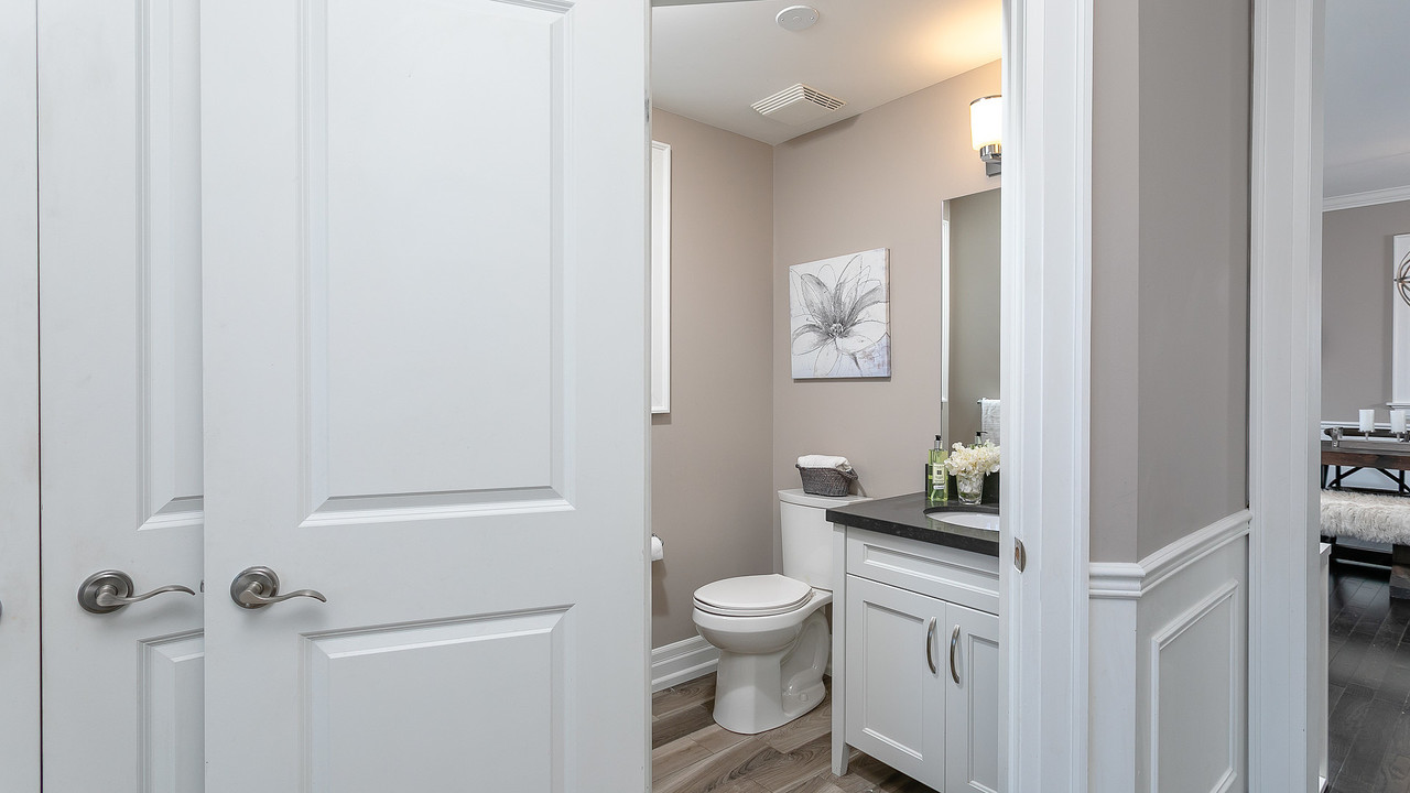 powder-room at 1108 Centre Street South, Whitby