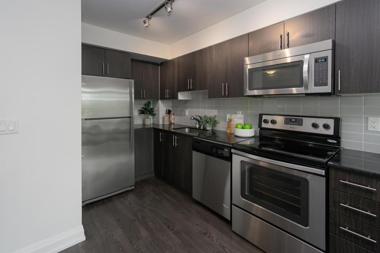 3520-danforth-ave-unit-506-large-008-010-kitchen-1498x1000-72dpi at 410 - 3520 Danforth Avenue, Birchcliffe-Cliffside, Toronto