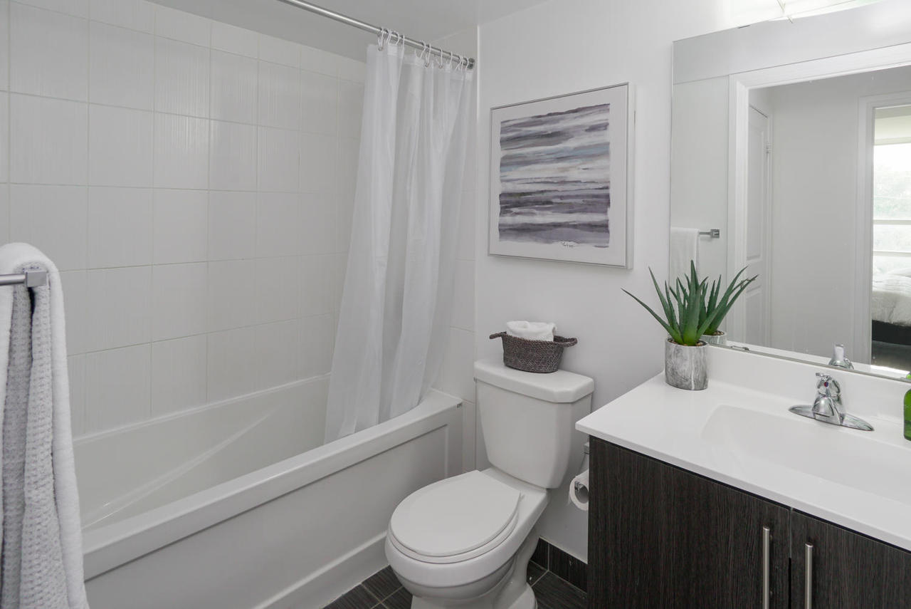 3520-danforth-ave-unit-506-large-020-011-bathroom-1498x1000-72dpi at 410 - 3520 Danforth Avenue, Birchcliffe-Cliffside, Toronto