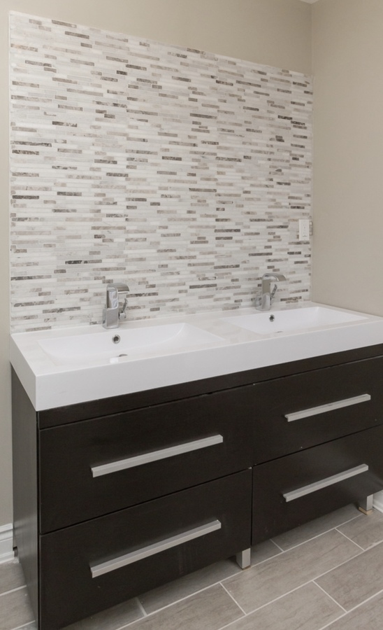 2nd upper bathroom with double vanity at 185 Blantyre Avenue, Birchcliffe-Cliffside, Toronto