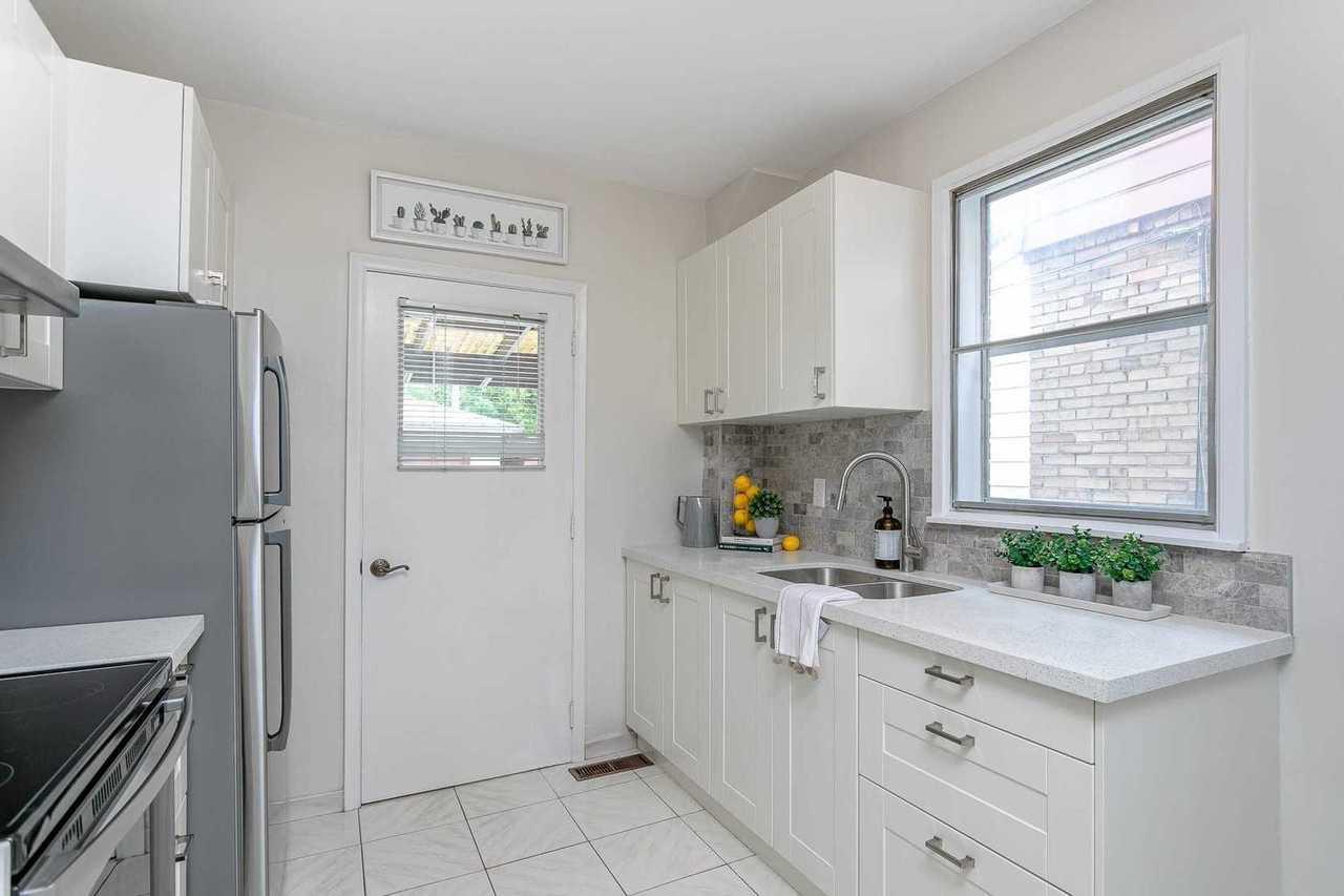 79-harris-ave-east-end-danforth-toronto-09 at 79 Harris Avenue, East End-Danforth, Toronto