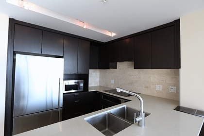 Kitchen at 1101 - 1320 Chesterfield Avenue, Central Lonsdale, North Vancouver