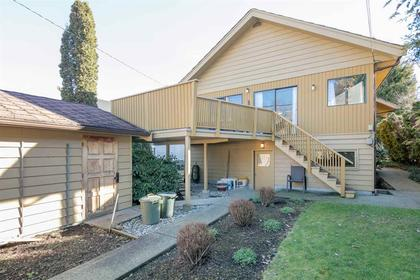 262163829-1 at Lower - 2485 West 13th Avenue, Kitsilano, Vancouver West