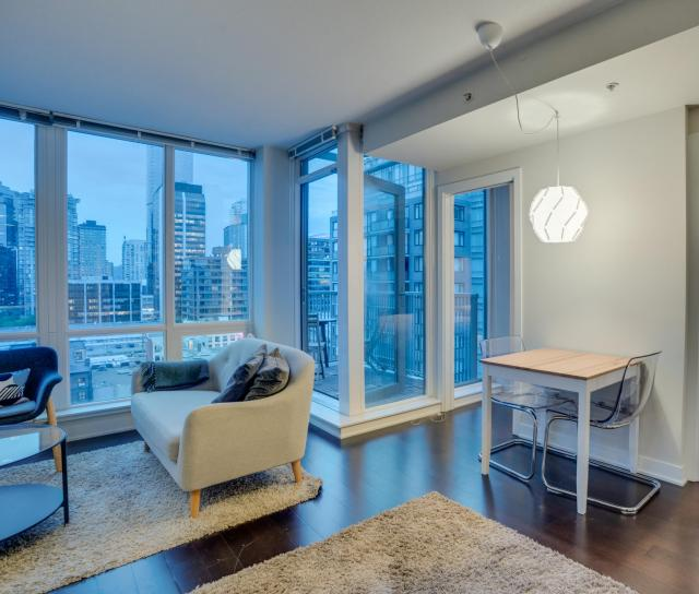 1802 - 1055 Richards, Yaletown, Vancouver West 2