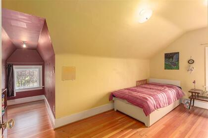 262127698-9 at 4715 Moss Street, Collingwood VE, Vancouver East