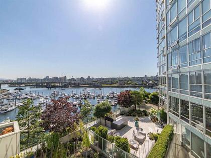 262510476-4 at 806 - 1228 Marinaside Crescent, Yaletown, Vancouver West