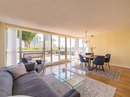 262510476-6 at 806 - 1228 Marinaside Crescent, Yaletown, Vancouver West