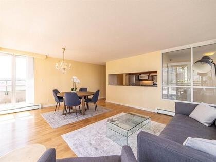 262510476-8 at 806 - 1228 Marinaside Crescent, Yaletown, Vancouver West