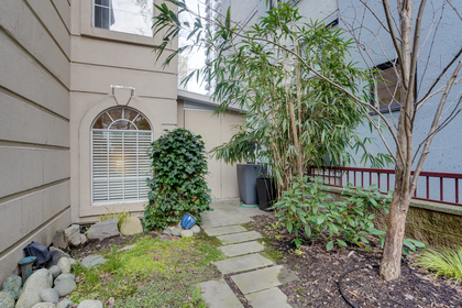 10 at 102 - 888 Bute Street, Coal Harbour, Vancouver West
