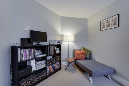 14 at 102 - 888 Bute Street, Coal Harbour, Vancouver West