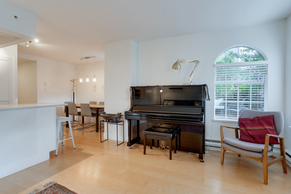20 at 102 - 888 Bute Street, Coal Harbour, Vancouver West