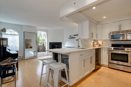 3 at 102 - 888 Bute Street, Coal Harbour, Vancouver West