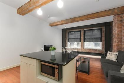 262529617-10 at 306 - 310 Water Street, Downtown VE, Vancouver East