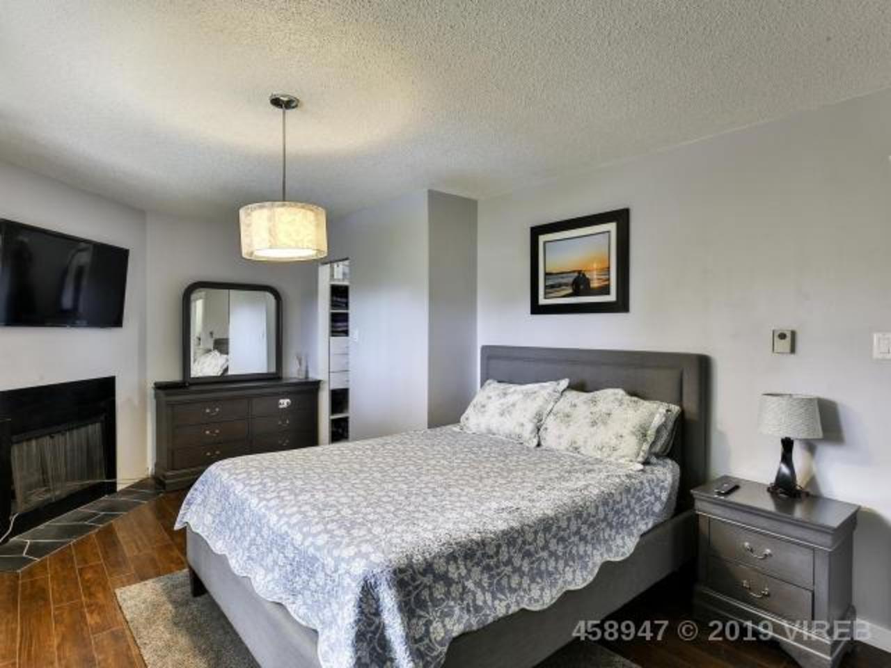 Photo 3 at 3025 Comox Road, Courtenay East, Comox Valley