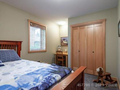 Photo 9 at 2284 Bayview Drive, Port McNeill, North Island